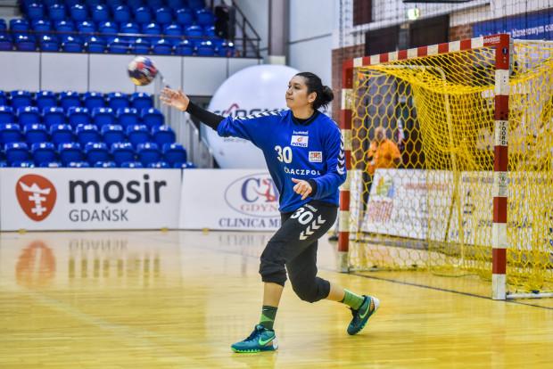 W ostatniej akcji meczu zamiast do Karoliny Siódmiak, Renata Kajumowa podała piłkę w ręce Małgorzaty Buklarewicz, która wykorzystała ten prezent, ustalając wynik meczu.