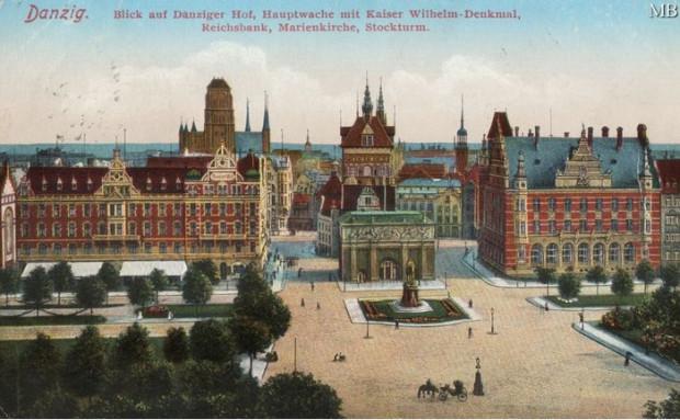 """Hotel Danziger Hof po lewej stronie Bramy Wyżynnej i budynek banku po jej prawej stronie tworzyły dwa """"skrzydła"""" bramy. Istniejący plan zagospodarowania dopuszcza odtworzenie tego układu. Ale czy przywrócić należy też przedwojenną architekturę? Ilustracja ze zbiorów Mirosława Baski."""
