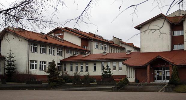 Nowe przedszkole powstanie w budynku, do którego obecnie uczęszczają uczniowie podstawówki i gimnazjum.