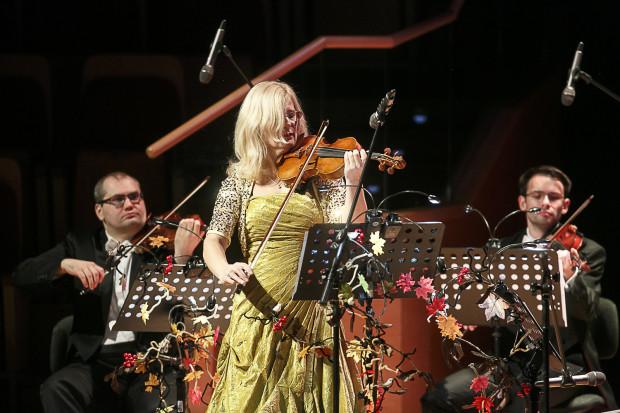 Muzykę Vivaldiego zagrali członkowie Orkiestry Polskiej Filharmonii Bałtyckiej. Partię solową wykonała Natalia Walewska.