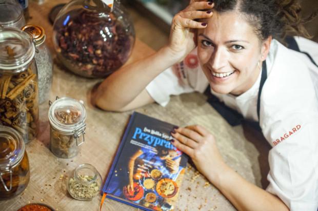 Czytelnicy książki o przyprawach muszą się przygotować na smaki zdecydowane: słodkie, kwaśne, ostre - mówi autorka.