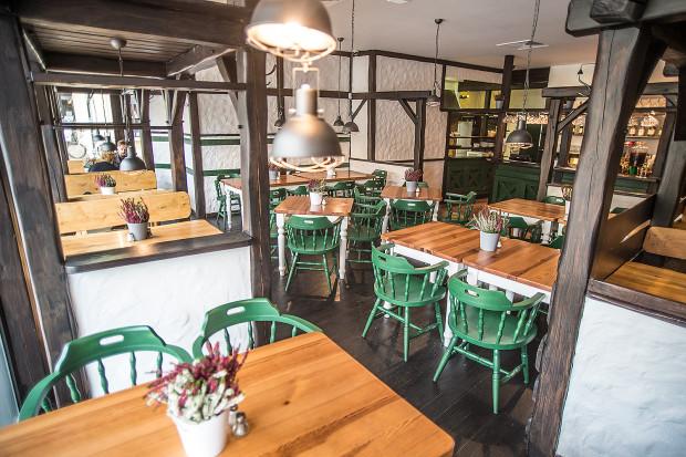 Cesky Film to restauracja z piwem i klasycznymi czeskimi daniami.
