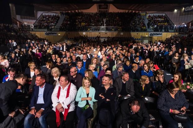 Na widowni zasiadło ok. 2 tys. osób. Chętnych było więcej, odstraszyły ich jednak wysokie ceny biletów.