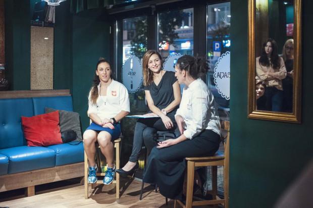 Agnieszka Jerzyk oraz Ewa Malika Szyc-Juchnowicz w rozmowie z Aldoną Dybuk na temat triathlonu oraz innych, pozasportowych pasji w ich życiu.