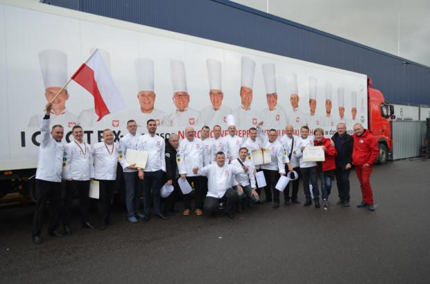 Polska reprezentacja na Międzynarodowej Olimpiadzie Kulinarnej w Erfurcie. Kapitanem drużyny był Adam Woźniak, szef kuchni gdańskiej Restauracji 1611.