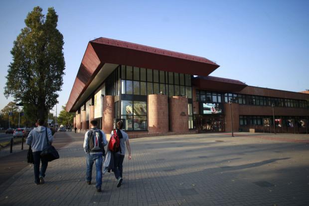 Opera Bałtycka decyzją radnych Urzędu Marszałkowskiego została oddłużona. Dłużnikom przekazano w sumie 1 mln 250 tys. zł.