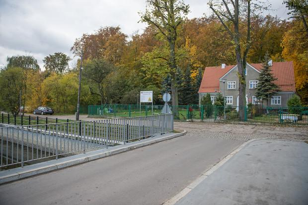 Okolica, w której istniał kiedyś park na Lipcach. Zamiast widocznego budynku przedszkola stała tam restauracja Trzy świńskie głowy.