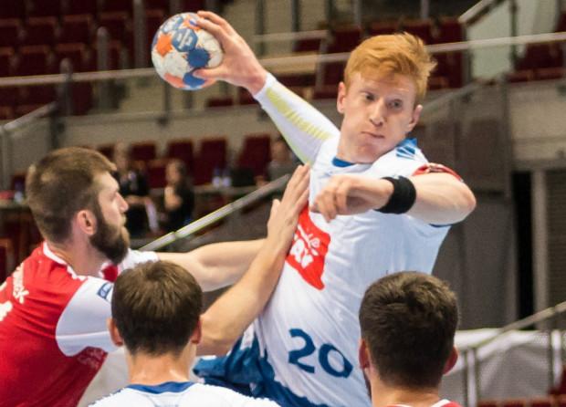 Tomasz Gębala (z piłką) rozpoczynał karierę w Spójni Gdynia. Teraz do Trójmiasta wraca jako reprezentant Polski.