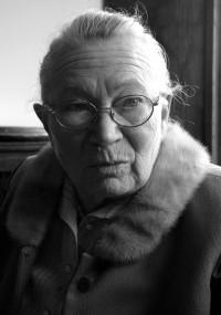 Anna Walentynowicz (1929-2010), legendarna suwnicowa ze Stoczni Gdańskiej i założycielka oraz działaczka Wolnych Związków Zawodowych.