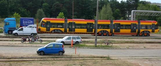 Gdańska Pesa, podobnie jak jej warszawska odmiana na zdjęciu, będzie transportowana na lawecie.