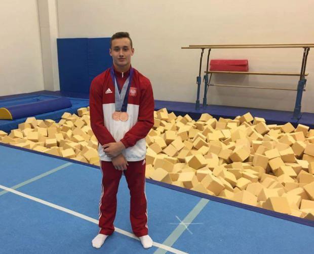 Paweł Kaśków z medalami zdobytymi w Libercu.