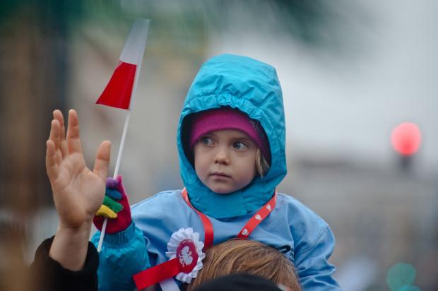 Zdjęcie z Parady Niepodległości na ulicach Gdyni w 2013 roku.