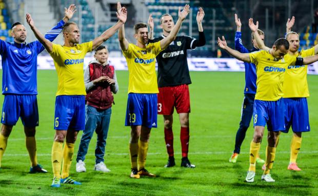 Po pierwszej rundzie piłkarze Arki mogą być zadowoleni z obrony, ale muszą pomyśleć o poprawie w ataku. Jak zauważa Janusz Kupcewicz, za brak większej liczby goli nie należy winić tylko napastników.