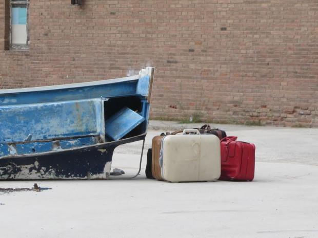 """Performance """"Zatonięcie Europy"""" będzie można obejrzeć 18 listopada o godz. 18 przed Muzeum II Wojny światowej przy ul. Wałowej. Wstęp wolny. Zdjęcie archiwalne z poprzedniego, zagranicznego happeningu."""