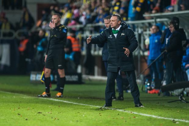 Piotr Nowak w przerwie dla reprezentacji dużo czasu poświecił na pracy nad sferą mentalną piłkarzy Lechii Gdańsk.