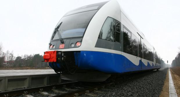 Wciąż nie wiadomo, które pociągi będą obsługiwać Pomorską Kolej Metropolitalną. Z dużą liczbą stacji lepiej poradzą sobie lokomotywy elektryczne niż spalinowe.