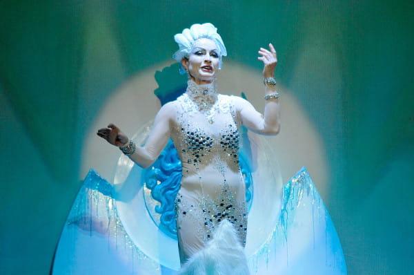 """Teatr Miejski w mikołajki gra """"Królową Śniegu"""", ale właściwie obchody mikołajek planuje dopiero 10 grudnia, gdy oprócz spektaklu odbędą się warsztaty plastyczne dla dzieci i minisesja z aktorami przedstawienia."""