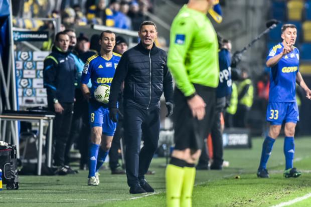 Grzegorz Niciński po raz drugi w karierze przeżywa tak długą serię meczów bez zwycięstwa jako trener Arki. Czy i tym razem uda się mu z niej wyjść?