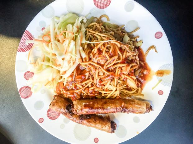Mięsne sajgonki w Asia Hoanmy.
