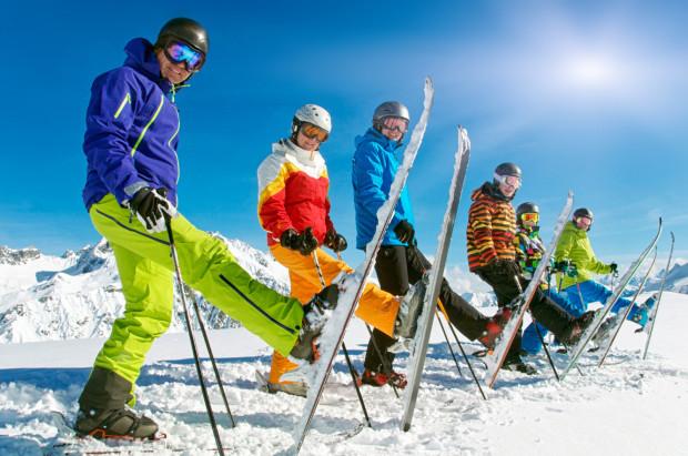 Używany sprzęt może na stoku posłużyć zarówno początkującym jak i wprawionym narciarzom i snowboarderom. Zakupu należy jednak dokonać ze szczególną uwagą.