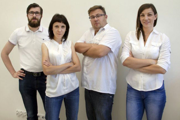 Grupa naukowców, którzy pracują nad projektem Detoxed Home. Od lewej: Szymon Graczyk, dr Aleksandra Rutkowska, dr inż. Błażej Kudłak i mgr Aleksandra Szybiak.