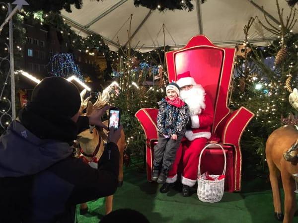 Św. Mikołaj na swoim tronie.