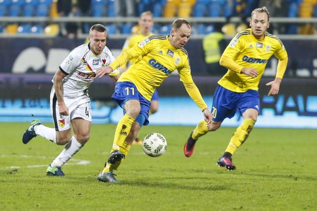 Rafał Siemaszko dał prowadzenie Arce Gdynia do przerwy 2:1.