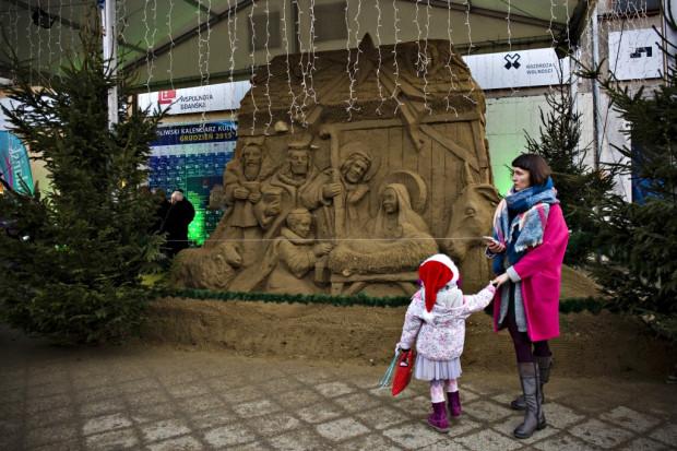 Pod siedzibą Fundacji Wspólnoty Gdańskiej w sobotę o godz. 15 odsłonięta zostanie szopka z piasku. Tak wyglądała w 2015 roku.