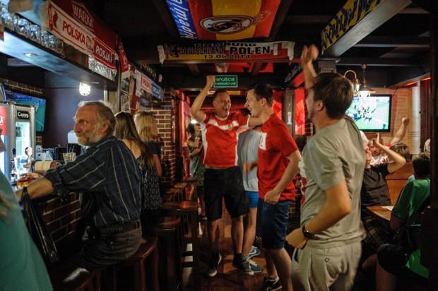 Piwiarnia Gdynia to idealne miejsce na mecz ze znajomymi.