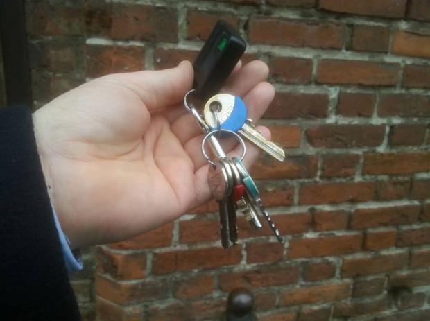 Waldemar Ossowski otrzymał od miasta klucze do Wielkiego Młyna - jak sam przyznaje, nie są one imponujące, ale od teraz obiekt jest w rękach MHMG.