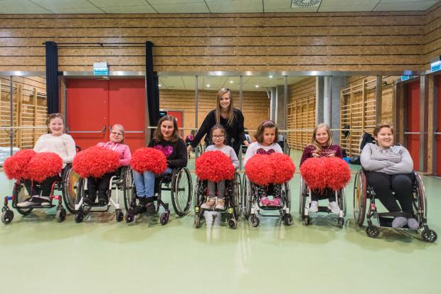 Planując pierwsze układy dla swoich podopiecznych trenerka Monika Matusiewicz-Herrmann sama musiała usiąść na wózku.