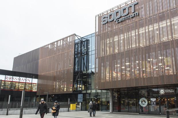 Budynek dworca działa już od ponad roku, ale wciąż nierozstrzygnięte pozostają kwestie finansowe między generalnym wykonawcą a podwykonawcami.