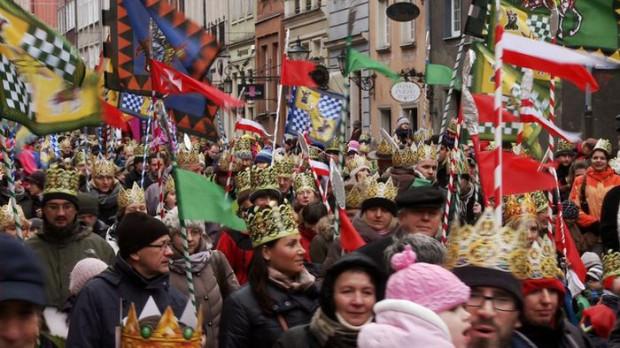 6 stycznia niemal każdy może być królem podczas przemarszu orszaku.