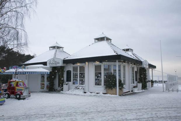Istniejący zachodni pawilon z restauracją.