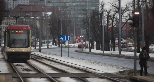 Przystanek Chodowieckiego (nz.) oraz Politechnika - już za kilka tygodni tramwaje nie będą tutaj wstrzymywane przez światła na przejściu dla pieszych.