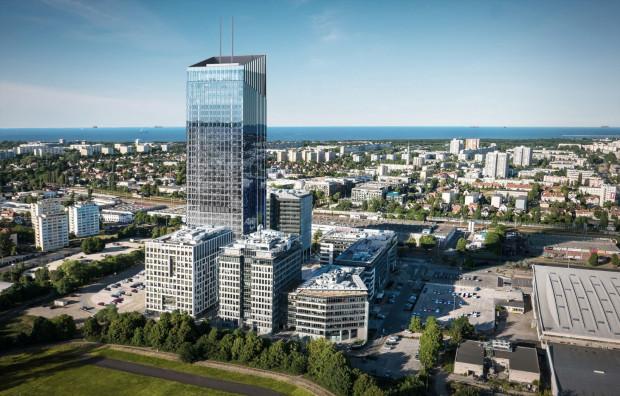 Na liście najemców najwyższego budynku w Trójmieście pojawia się coraz więcej firm.