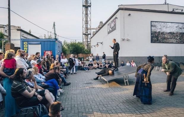 Pociąg do Miasta - Letni Festiwal Teatru Gdynia Główna cieszy się coraz większym zainteresowaniem gdynian, którzy także w tym roku zobaczą spektakle Teatru Gdynia Główna w plenerze. Inicjatywa otrzymała największą dotację w wysokości 65 tys. zł.
