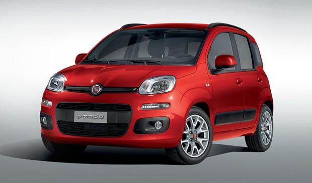 Polacy lubią Fiata Pandę. Po naszych drogach jeździ bardzo dużo tych modeli aut.
