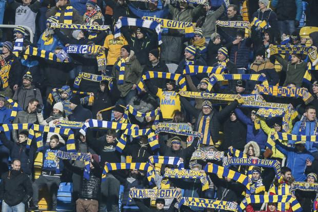 Kibice Arki Gdynia na inaugurację wiosny mają możliwość ustanowić nowy rekord frekwencji na Stadionie Miejskim przy ul. Olimpijskiej.