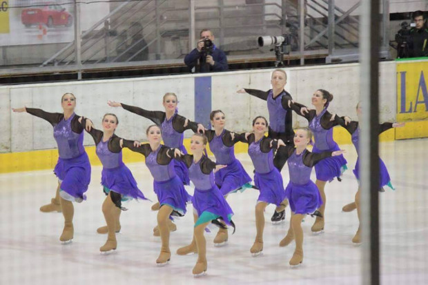 Szkółka Iceskater skupia 120 dziewcząt i chłopców, którzy trenują kilka razy w tygodniu.