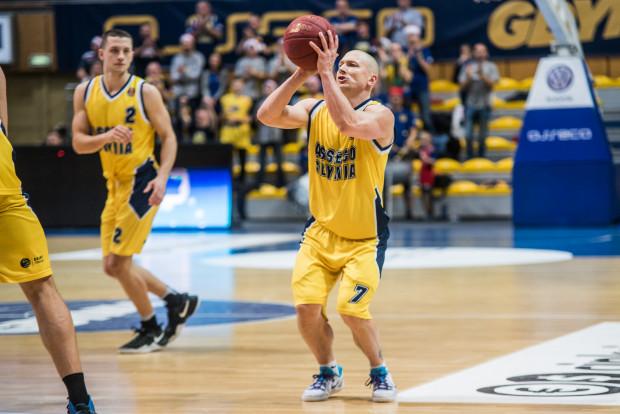 Krzysztof Szubarga był w sobotę nie do powstrzymania z linii rzutów za 3 punkty.