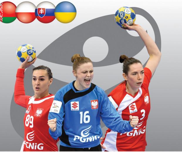 Monika Kobylińska z Vistalu Gdynia (z prawej) oraz Adrianna Płaczek i Kinga Achruk znalazły się na plakacie zapowiadającym gdański turniej.