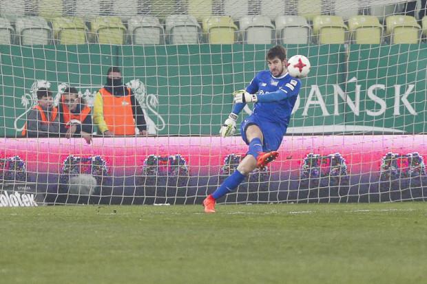 Trener Lechii Gdańsk podkreśla, że w kilku sytuacjach w Niecieczy Dusan Kuciak wykazał się wielkim kunsztem.