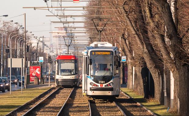 Pasażerowie często narzekają na źle dopasowaną temperaturę w tramwajach. Dlatego w 20 pojazdach zostaną zamontowane urządzenia do pomiaru temperatury, by sprawdzić, czy nie należy jej ustawiać inaczej.