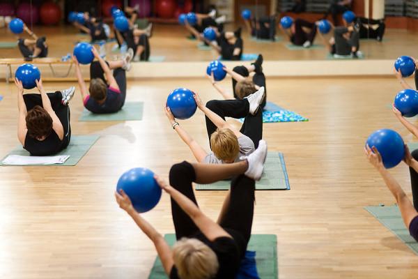 W klubach fitness nie ma problemu, aby znaleźć pasujące nam zajęcia ruchowe.