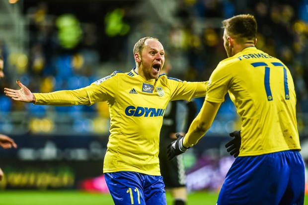 Rafał Siemaszko (nr 11) strzelił drugiego gola, a Dariusz Formella (77) trzeciego oraz wypracował karnego, który dał pierwszą bramkę.