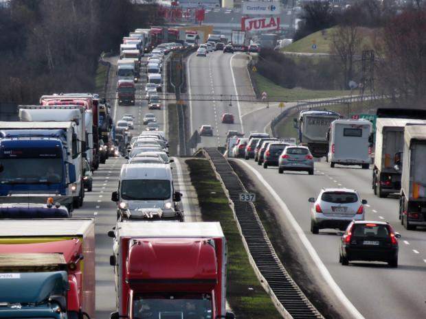 Badania na obwodnicy mają pomóc w opracowaniu nowej metody obliczania przepustowości na drogach krajowych.