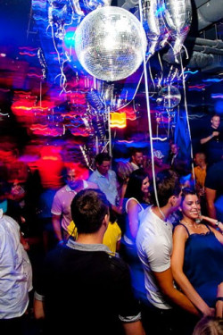 Studenci chętnie chodzą do klubów, które specjalnie dla nich przygotowują specjalne zniżkami i promocje. Nz. Ego w Sopocie.