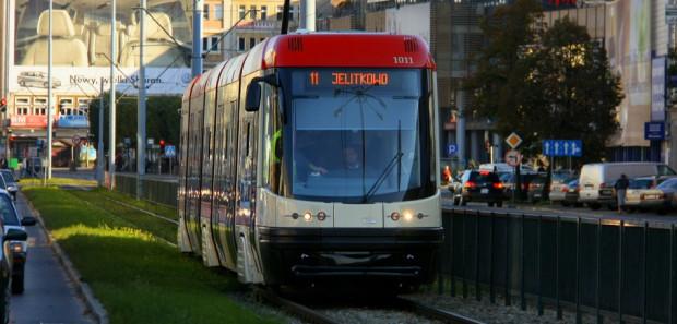"""Nie są jeszcze znani """"patroni"""" kolejnych tramwajów Pesa. Lista zawiera raptem kilka nazwisk."""