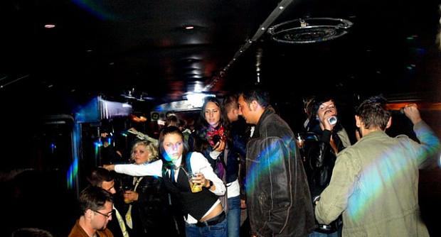 Impreza w autobusie to nowa moda w Trójmieście.